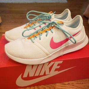 Womens Nike VTR Sneakers